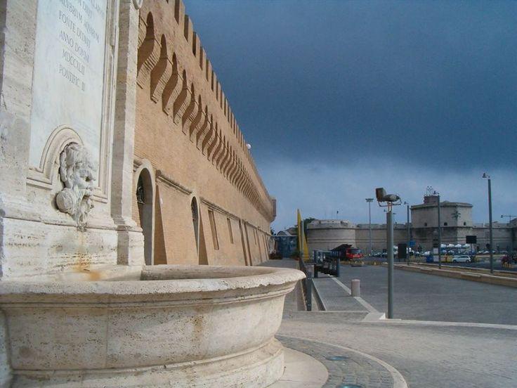 CIVITAVECCHIA -bastione di Urbano VIII e fontana del Vanvitelli