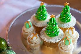 Image result for cupcakes for christmas