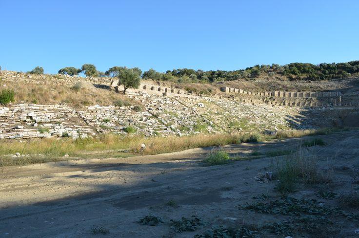 Magnesia on meander, stadium