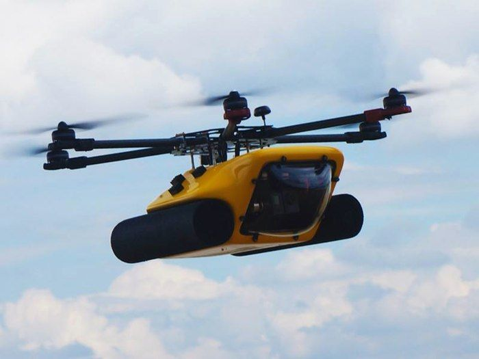 Amphibious HexH2o drone shoots both aerial and underwater video