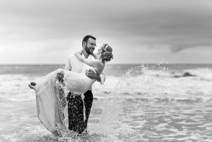 Photographe : Julien Briche, mariage, mariage plage, ttd plage, , la suite sur le blog :http://lamarieeencolere.com/2014/10/mariage-ambiance-nature/