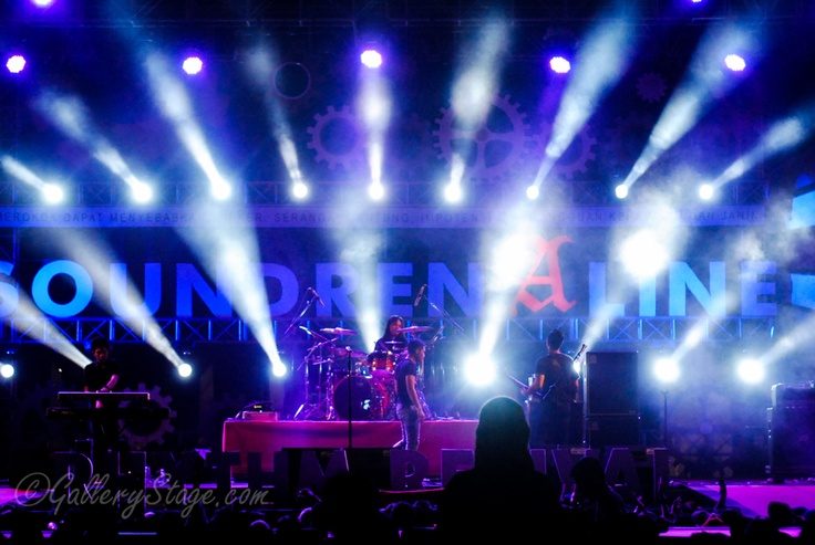 "Andra & The Backbone ""Road To Soundrenaline 2012"""