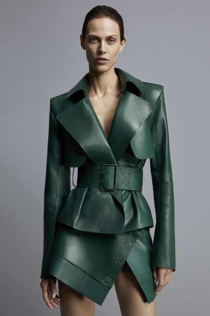 Mugler Pre-Fall 2017 – WWD. Yes please. Longer skirt for the over 50's but the basic style is stunning.