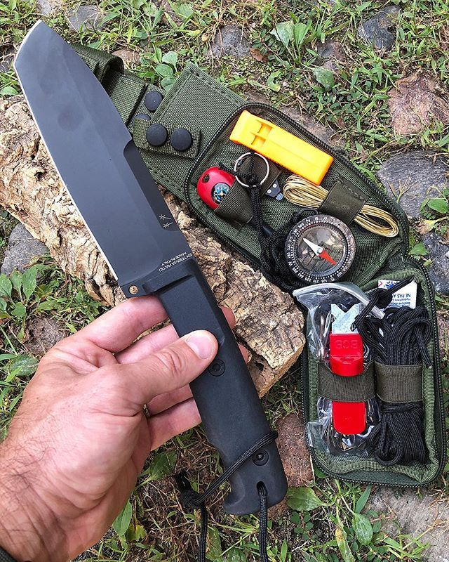 Extrema Ratio Selvans With Survival Kits Order Www Knives It Follow Us Coltelleriacollini Survie Couteau Survivalisme