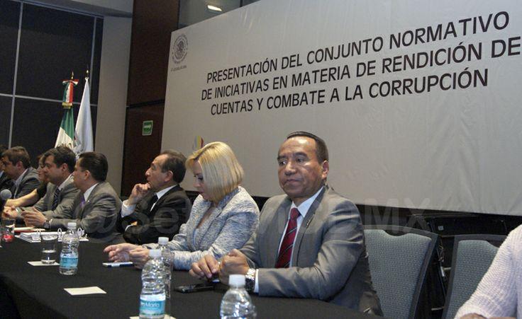 El Secretario Rufino H León Tovar acudió como testigo de honor a la Presentación del Conjunto Normativo de Iniciativas en Materia de Rendición de Cuentas y Combate a la Corrupción que buscan impulsar la transparencia en el gasto público, armonizar la contabilidad gubernamental del Estado mexicano y fortalecer a esta Contaduría.