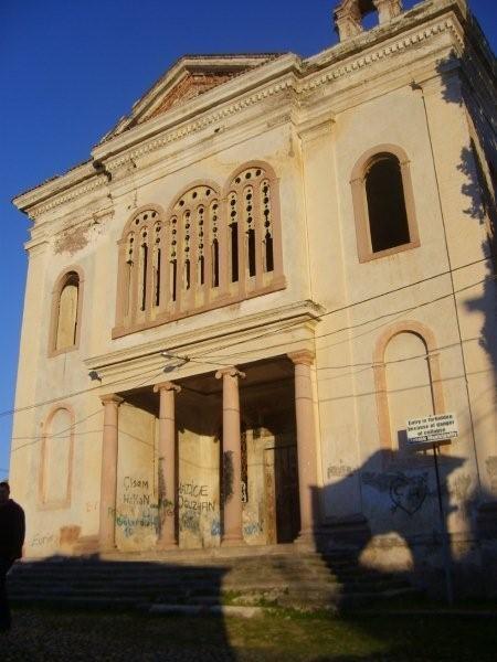 Taksiyarhis Ta Çamia Manastırında oturup manzarayı seyretmeden... Daha fazla bilgi ve fotoğraf için; http://www.geziyorum.net/cunda-gezisi-bolum-3/