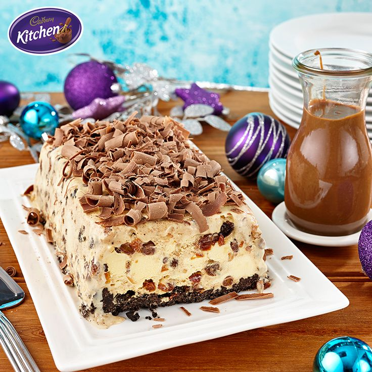 A hot Christmas doesn't feel complete without an ice cream cake. This irresistible Christmas version  makes for a deliciously cool ending to a summer meal.  #desserts #cake #baking #chocolate #CADBURY #recipeideas #bakingrecipes
