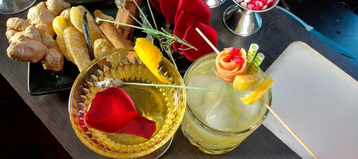 Aprende a preparar dos sencillos cócteles afrodisiacos con la bartender, Chabi Cádiz