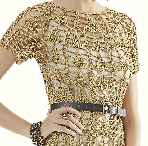 Receitas Círculo - Vestido Dourado Decote Redondo