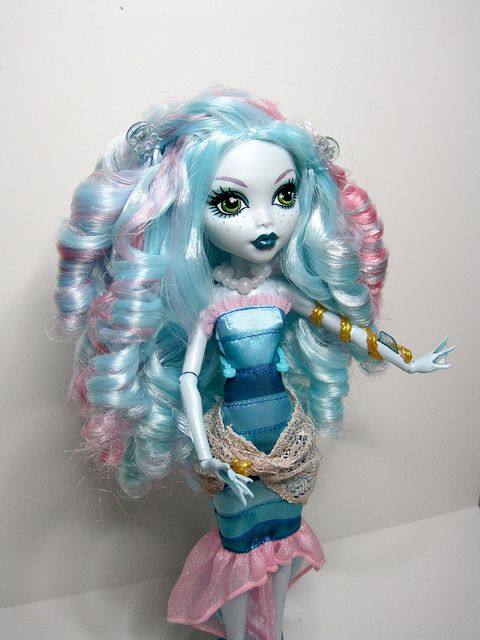 Monster High Rerooted DOTD Lagoona by Pink_Mimi, via Flickr