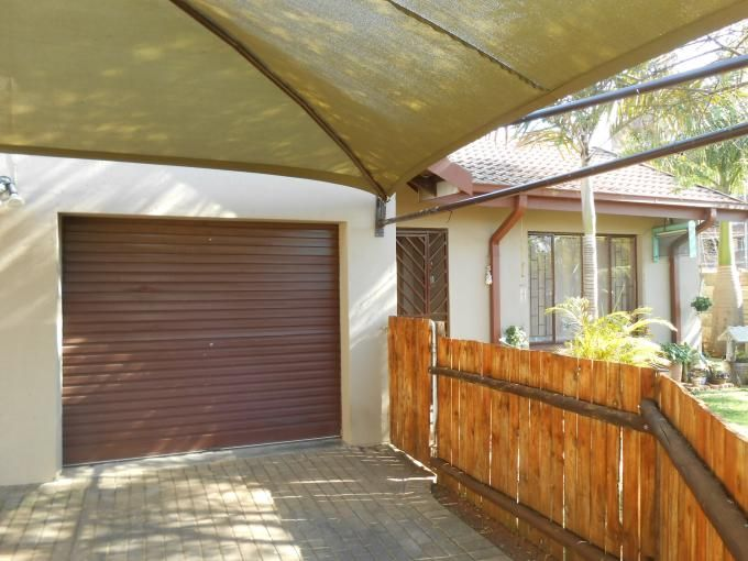House in Wolmer, Pretoria - North West, Gauteng R 900,000 More info and photos: http://myroof.co.za/MR113316  Modern and spacious family home!  A very good investment in Pretoria North. You will find three spacious bedrooms, two bathrooms and a lovely kitchen with a warm feeling. This property has a sparkling pool and a lapa with bar, for the entertainer. The garden is very neat.