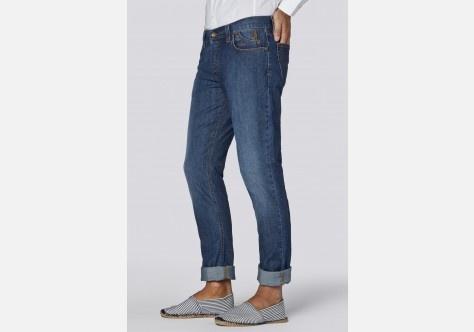 Pantalone cinque tasche in denim.