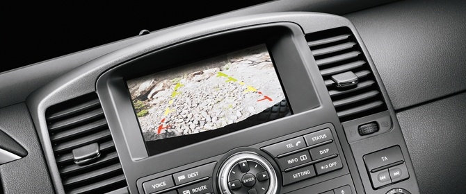 The Nissan Navara. The camera screen on the dashboard.