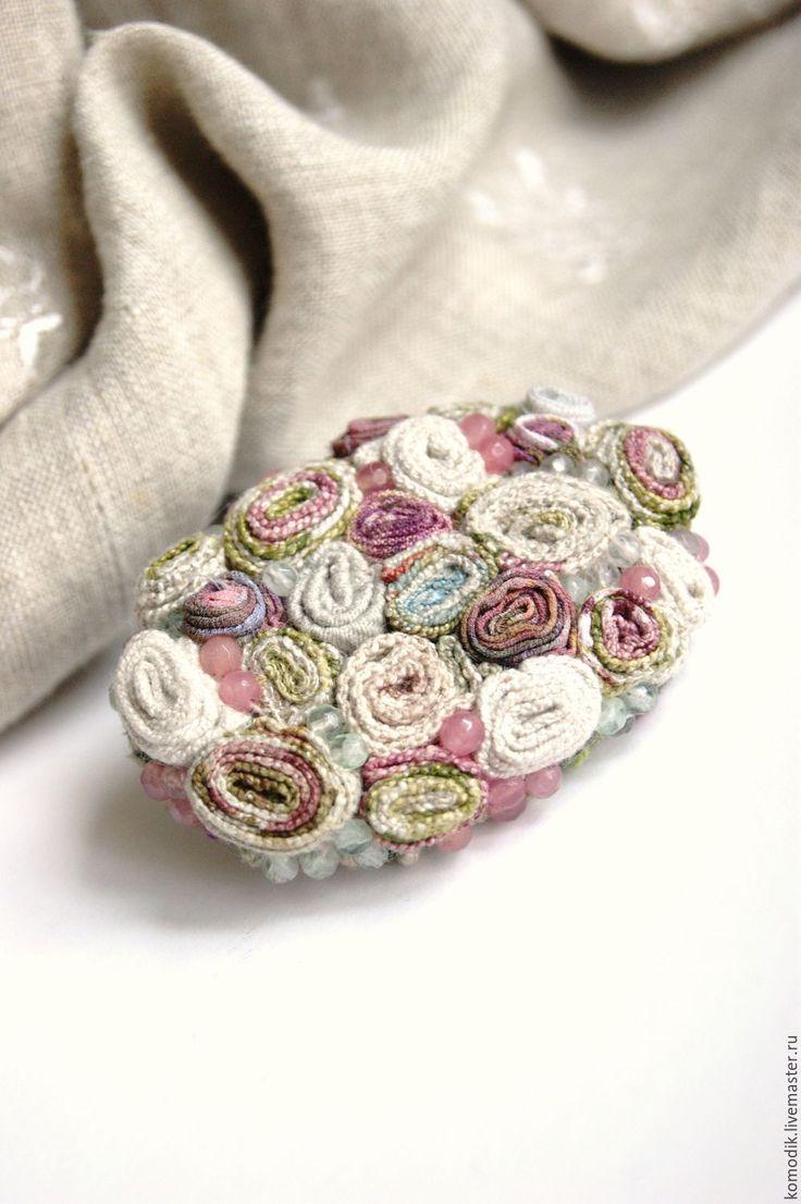 """Handmade fabric brooch / брошь """"Льняная роза"""" с бусинами кварца - брошка из ткани, подарок женщине, уникальное украшение"""