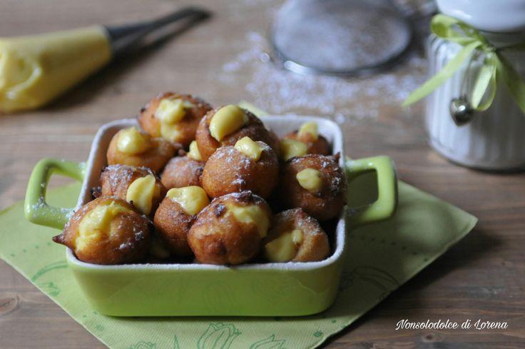 Tortelli tradizionali ripieni di crema (dolci di carnevale)