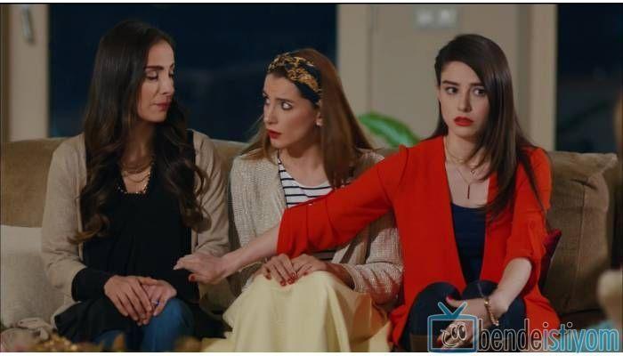 Fox TV de yayınlanan Kiraz Mevsimi dizisinde Öykü Acar karakterini canlandıran Özge Gürel'in 38. bölümünde giydiği turuncu ceket