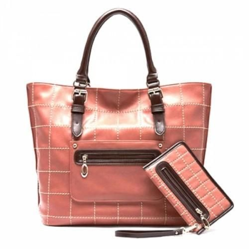 Pressure Line Handbag Pink  Moonbasa Atmospheric Pressure Line handbag in pink, will absolutely bring you more confidence for everyday life. In also contains 6 pockets.