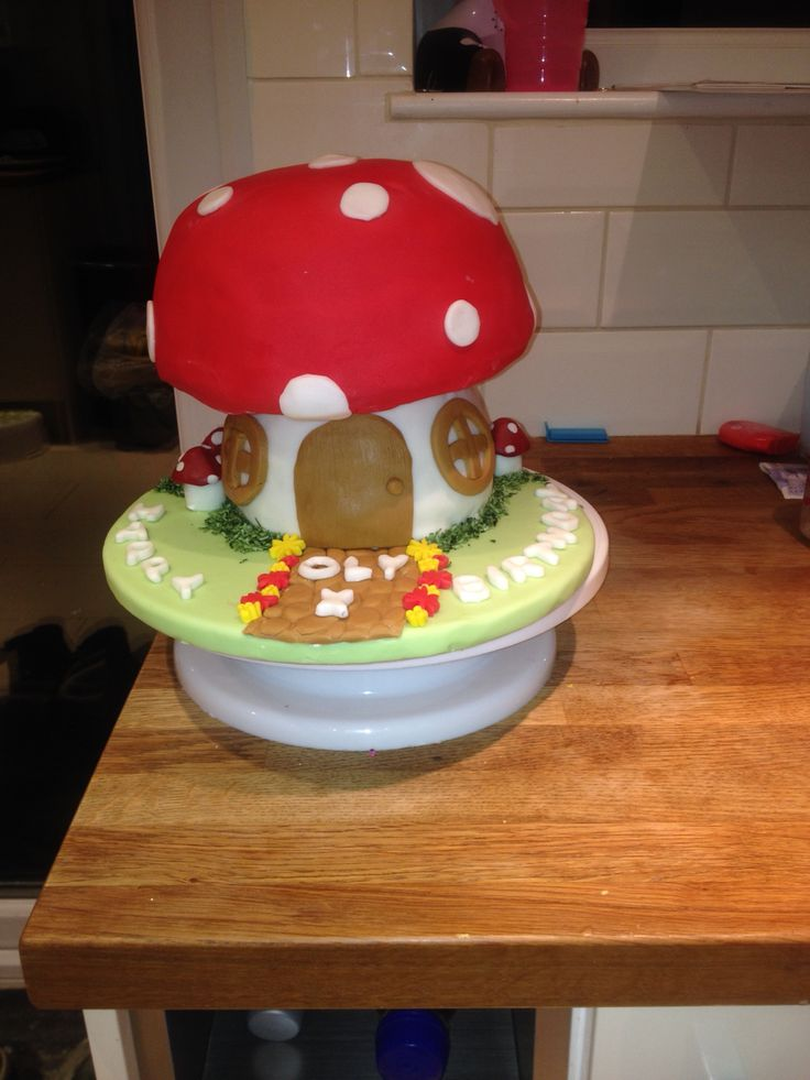 Toad stall cake