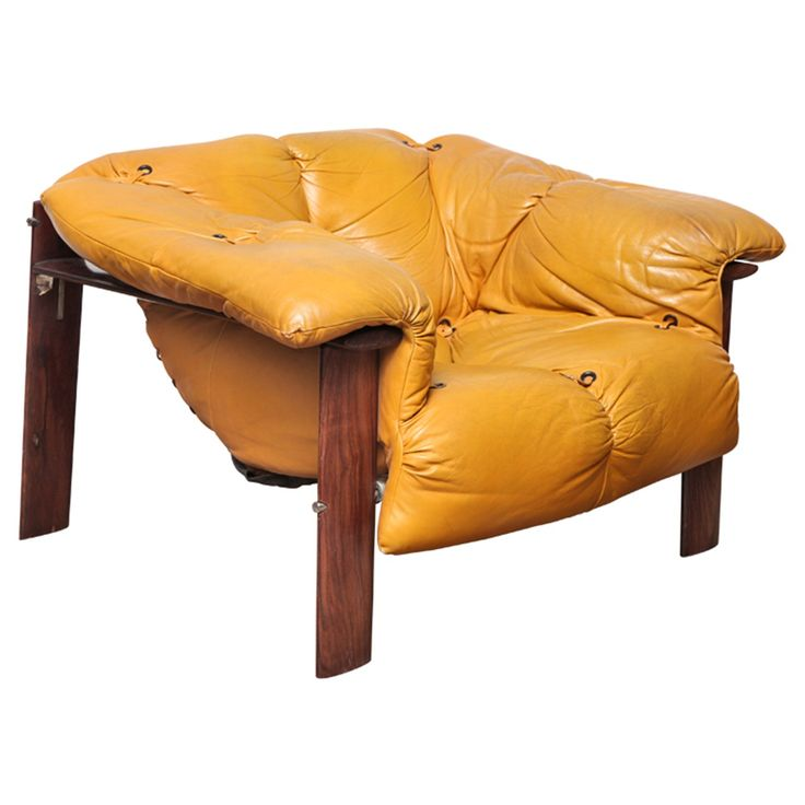 A mustard leather tufted chair with rosewood frame attributed to Sergio Rodrigues, ca.1955