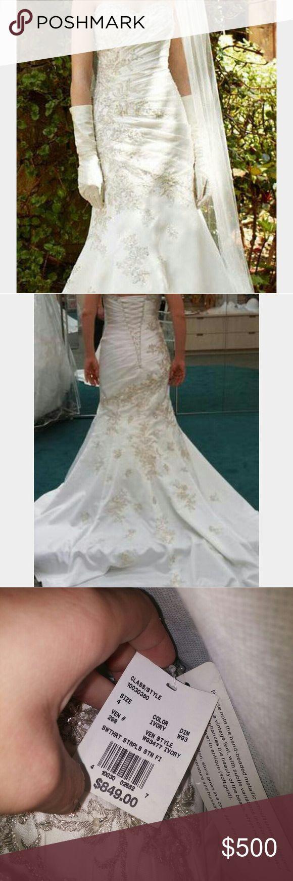 David's bridal wedding gown Brand new never worn size 4 wedding dress. Beautiful! David's Bridal Dresses Wedding