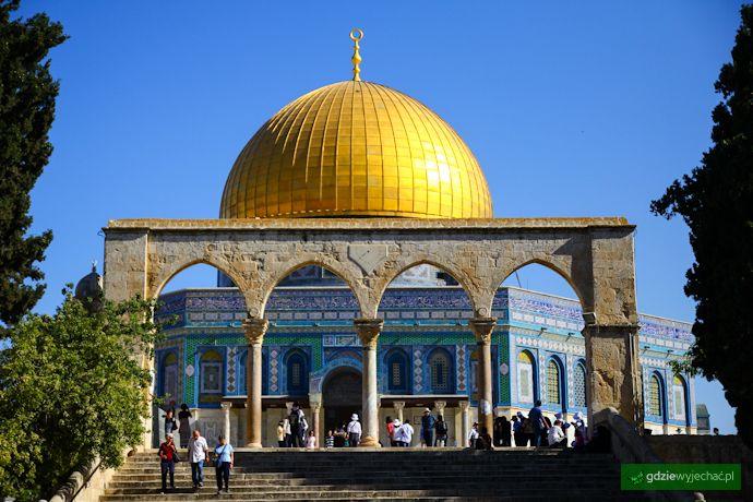 Kopuła na skale w Jerozolimie Poczytaj: http://gdziewyjechac.pl/21906/wzgorze-swiatynne-w-jerozolimie-historia-i-ciekawostki.html
