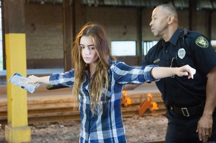 """abduction lily collins    New """"Abduction"""" Stills; HQ {2011}. - Lily Collins Photo (33491511 ..."""