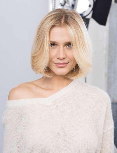 Pour mettre en valeur des cheveux fins, rien de tel qu'un joli carré droit à peine dégradé et sublim... - Saint Algue
