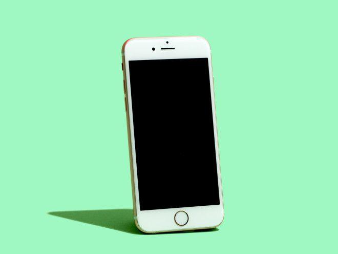Hackers Claim Million-Dollar Bounty for iOS Attack