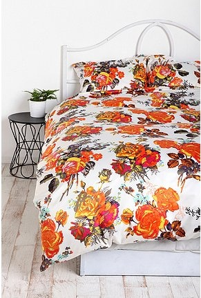 wake up and smell the roses: Beds Covers, Beds Urbanoutfitterscom, Guest Bedrooms, Photo Rose, Duvet Covers, Orange Rose, Satin Duvet, Rose Satin, Covers Urbanoutfitt