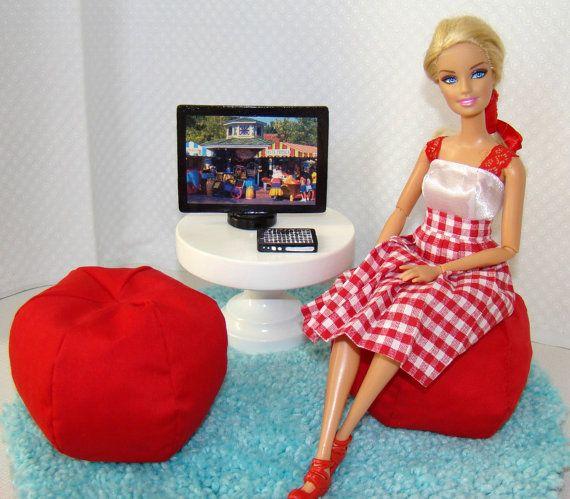 Barbie Furniture   Solid Red Bean Bag Chair por DebsDollRoomDesigns