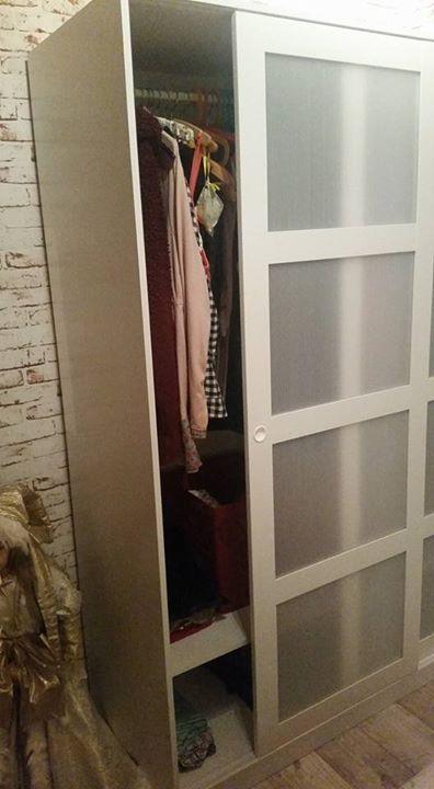 Marvelous  Verkaufe die sachen wegen Umzug Einen Kleiderschrank Kvikne Der Schrank ist ein halbes jahr alt und von Ikea Rechnung vorhanden