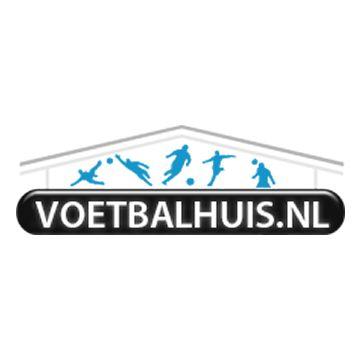 Korting op alle voetbalschoenen bij Voetbalhuis.nl krijg tot wel 70% korting op de nieuwste voetbalschoenen.