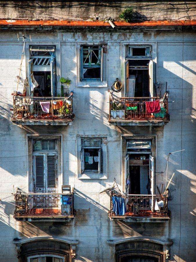 (via La Habana, Cuba | Windows | Pinterest)