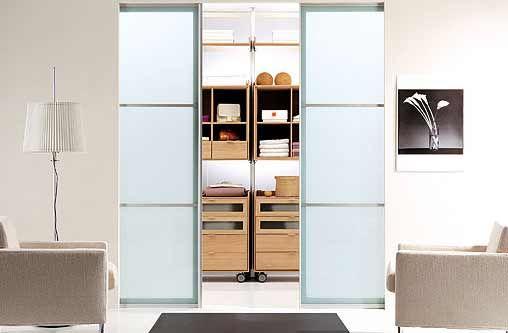 Puertas corredizas para el vestidor http://www.abc-wood.com/images/vestidores-suni-02.jpg