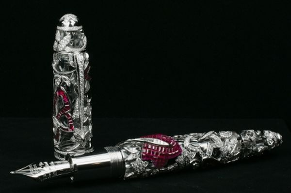 Two massive names of the luxury industry , Mont Blanc and Van Cleef & Arpels created this beautiful Limited Edition Mystery Masterpiece pen to celebrate the respective completion of 100 years of success. If you order this pen you can chose from rubies, sapphires or emeralds, while all three variants are studded with amazing diamonds.