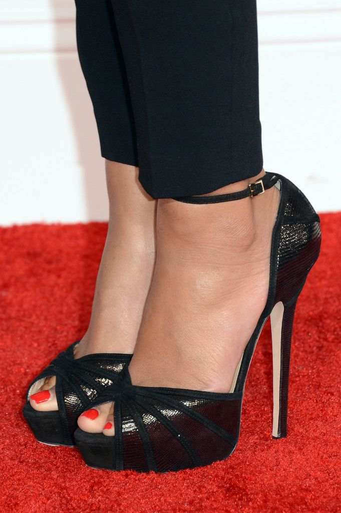 Singer Beyonce (shoe detail) arrives at the 55th Annual GRAMMY Awards at Staples Center on February 10, 2013 in Los Angeles, California.