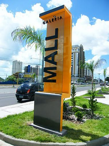 Totem ACM com placa de Vidro. #aneopressfaz. Veja mais em www.neopress.com.br