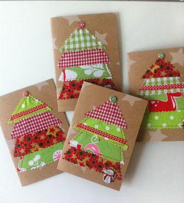 Weihnachtskarten mit aufgenähten Stoffdreiecken