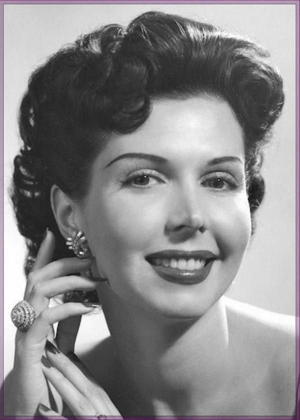 Pin By Peter R Den Boef On Hair Help 50s Hairstyles Short Hair Styles 1950s Hairstyles