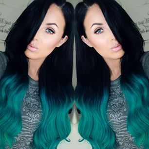 My hair used to be dyed like this...I miss my blue hair