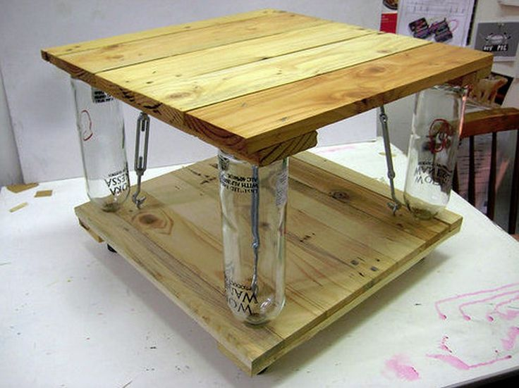 Ten Green Coffee Table – from reclaimed timber and glass bottles | DIY projects for everyone!