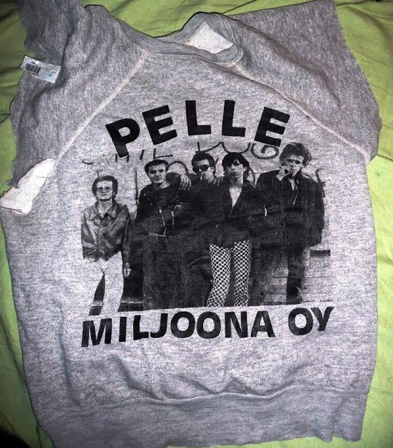what shall a poor girl wear: Mun rakkaimmat t-paidat ja kolitsit: bändipaidat