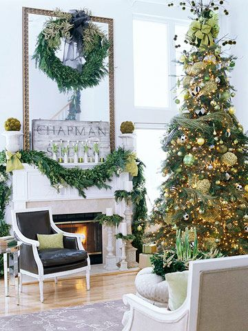 Such a beautiful home: Decor Ideas, Green Trees, Green Christmas, Holidays Decor, Christmas Decor, Gold Christmas, Christmas Trees, Christmas Mantles, Christmas Mantels