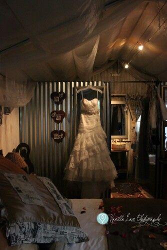 Reinette & Damon. The dress.