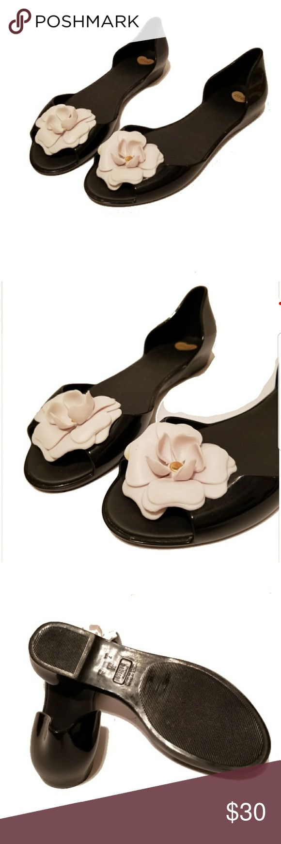 GUC Mel melissa Jelly Ballet Flats Flower Floral Black Mel by Melissa  Floral bow accent Gold Accent in flower has some signs of wear. Open Toe/Peep Toe Sz. 7 Flats Mel by Melissa Shoes Flats & Loafers