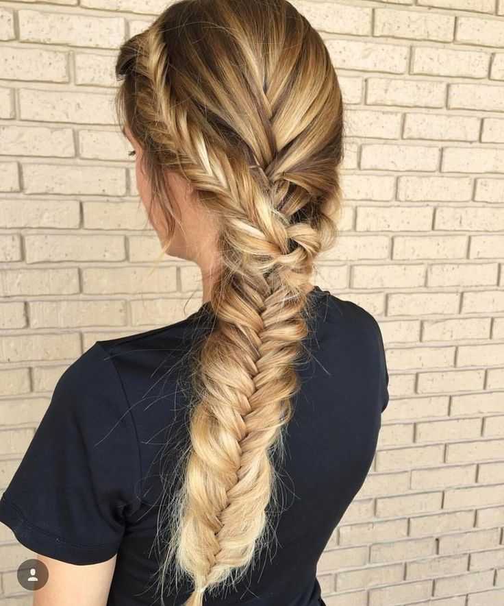 Repost from @callie_embellishbeautyparlour - Throwing it back to this nothing is as beautiful as a textured braid and thanks to @kenraprofessional #kenra25 hairspray and #kenrasmoothingcreme it was perfection! #braidsandbalayage Braided by @callie_embellishbeautyparlour Color by @hair.by_kaileybreann