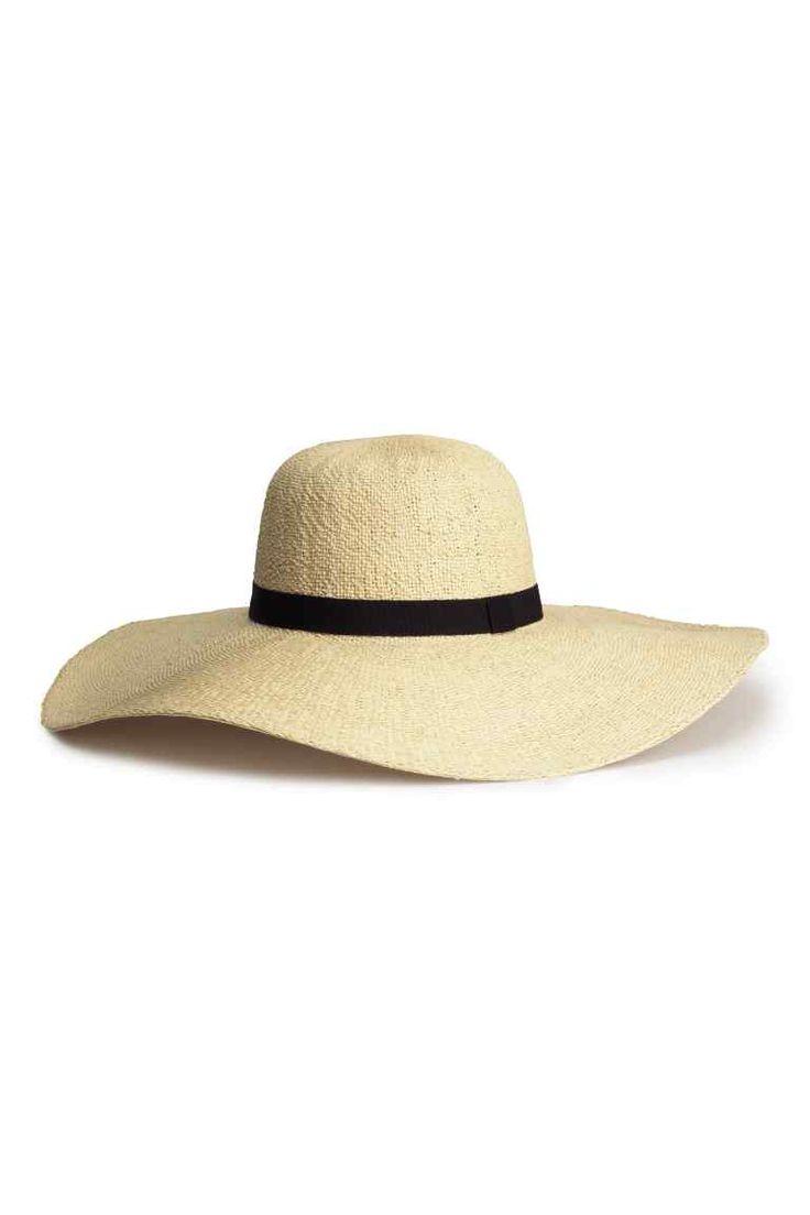 les 25 meilleures id es concernant chapeau de paille femme sur pinterest chapeau paille femme. Black Bedroom Furniture Sets. Home Design Ideas