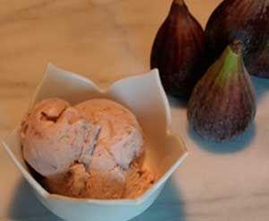 Helado de Higos es uno de los helados caseros más sabrosos, naturales y suaves que podrás preparar. ¡¡ Anímate a preparar esta delicia !!