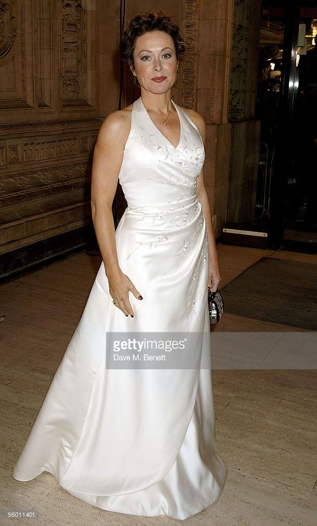 Amanda Mealing arrives at the National Television Awards 2005 at the Royal…
