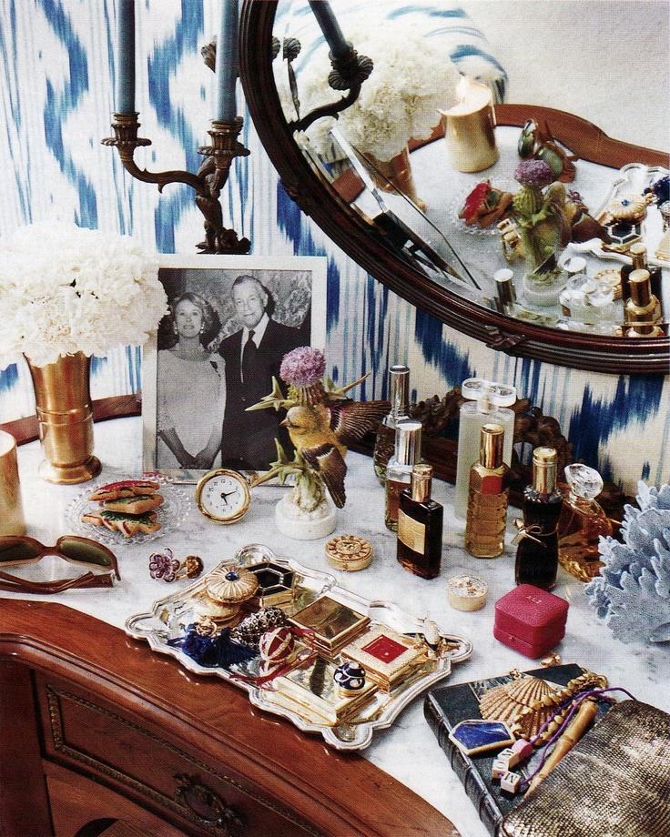 Aerin Lauder's dressing table as shown in House & Garden #dressing_room #vanity